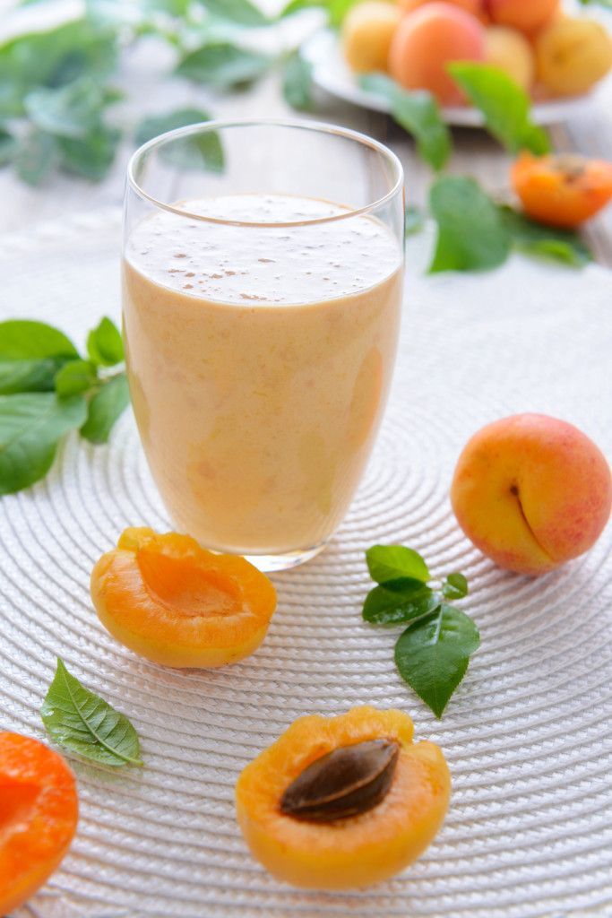 Apricot smoothie (low-sugar)